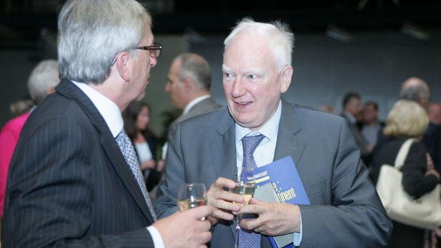 """Jean-Claude Juncker et Philippe Maystadt en septembre 2012 lors de la cérémonie de présentation de son ouvrage """"Europe le Continent Perdu?"""""""