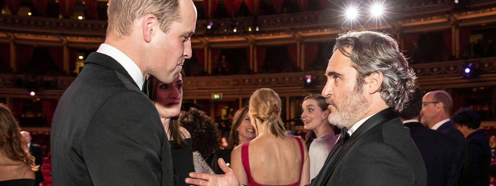 Der britische Prinz William (l.) und Schauspieler Joaquin Phoenix brachten beide das Thema Diversität zur Sprache.
