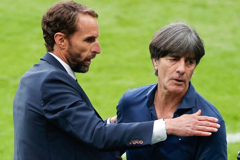 C'était la dernière rencontre officielle à la tête de la sélection allemande pour le sélectionneur Joachim Loew, ici salué par son homologue anglais Gareth Southgate.