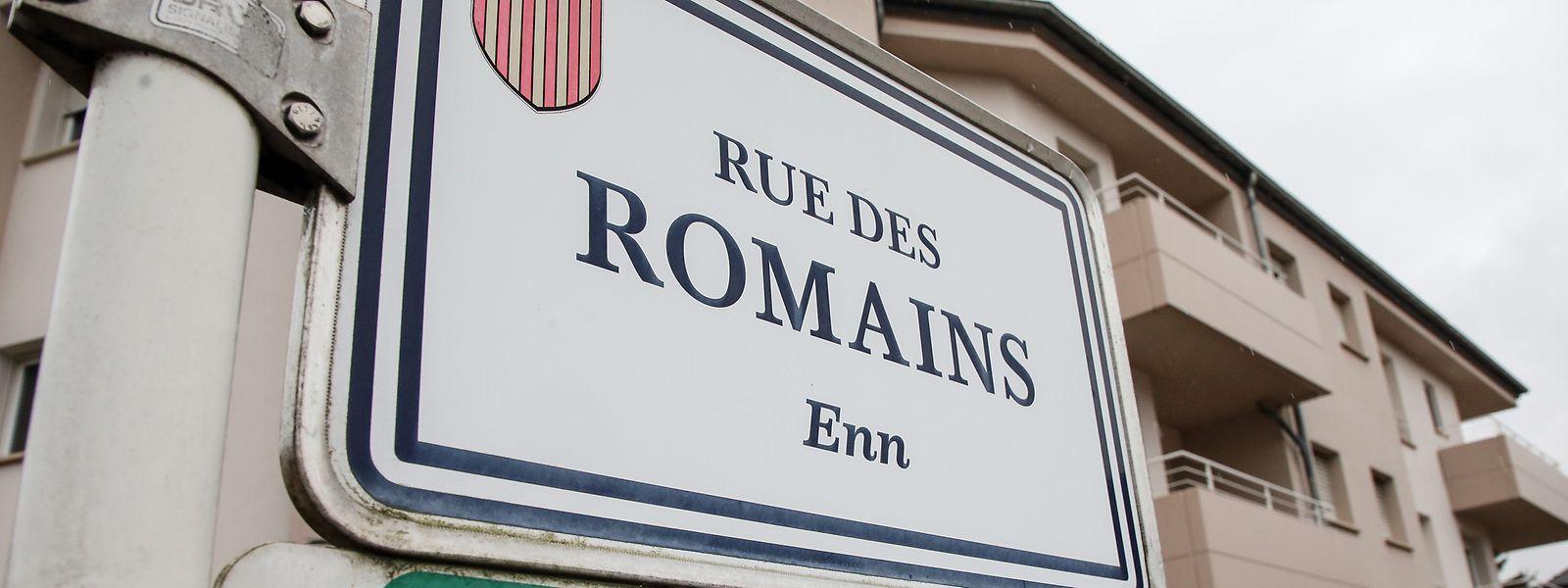 Die Hausdurchsuchung soll laut Medienberichten in Strassen an der Rue des Romains durchgeführt worden sein.