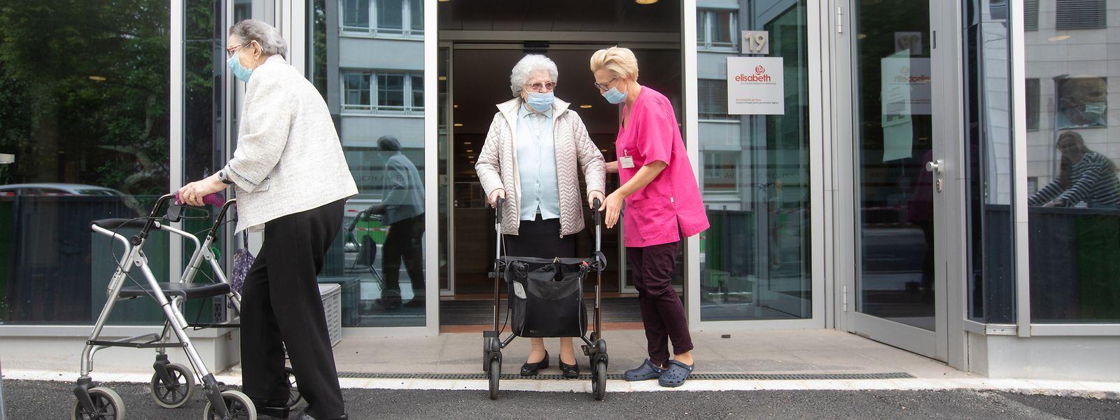 41 des 110 résidents et 40 des 120 personnels soignants de la maison de retraite Elisabeth am Park ont été testés positifs au covid-19 depuis la mi-janvier.