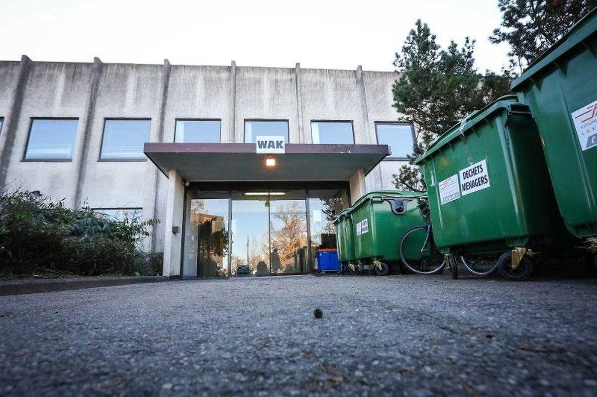 """Die """"Wanteraktioun"""" findet in einem ehemaligen Bürogebäude in Findel statt."""