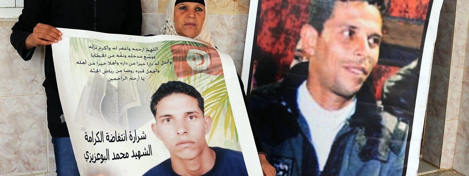 Au soir du 17 décembre 2010, Mohamed Bouazizi, marchand de légumes à Sidi Bouzid en Tunisie, s'est immolé par le feu.