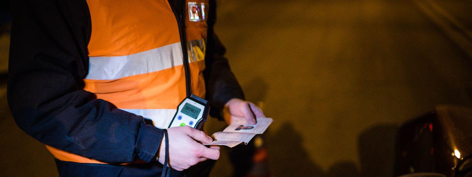 In der Nacht zum Samstag zog die Polizei einige Führerscheine wegen Alkohol am Steuer ein.