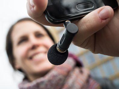 Ansteckmikrofone für Smartphones sind meist ultrakompakt, verbessern die Klangqualität aber enorm.