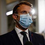 Senado francês aprova passe sanitário com modificações