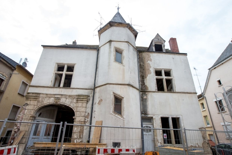 """Die Fassade der """"Zéintscheier"""" und der Turm bleiben erhalten."""