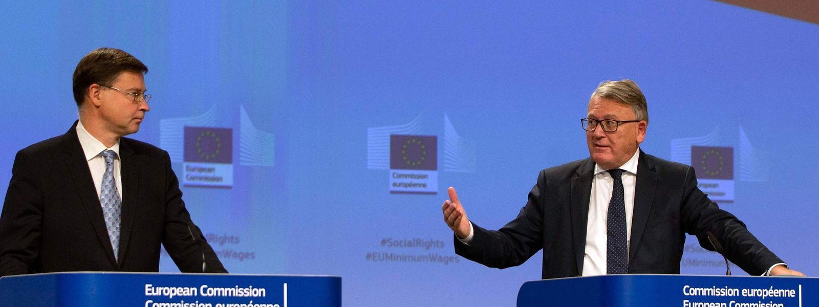 Die EU-Kommissare Nicolas Schmit und Valdis Dombrovskis (l.) bei der Vorstellung der Gesetzesinitiative.