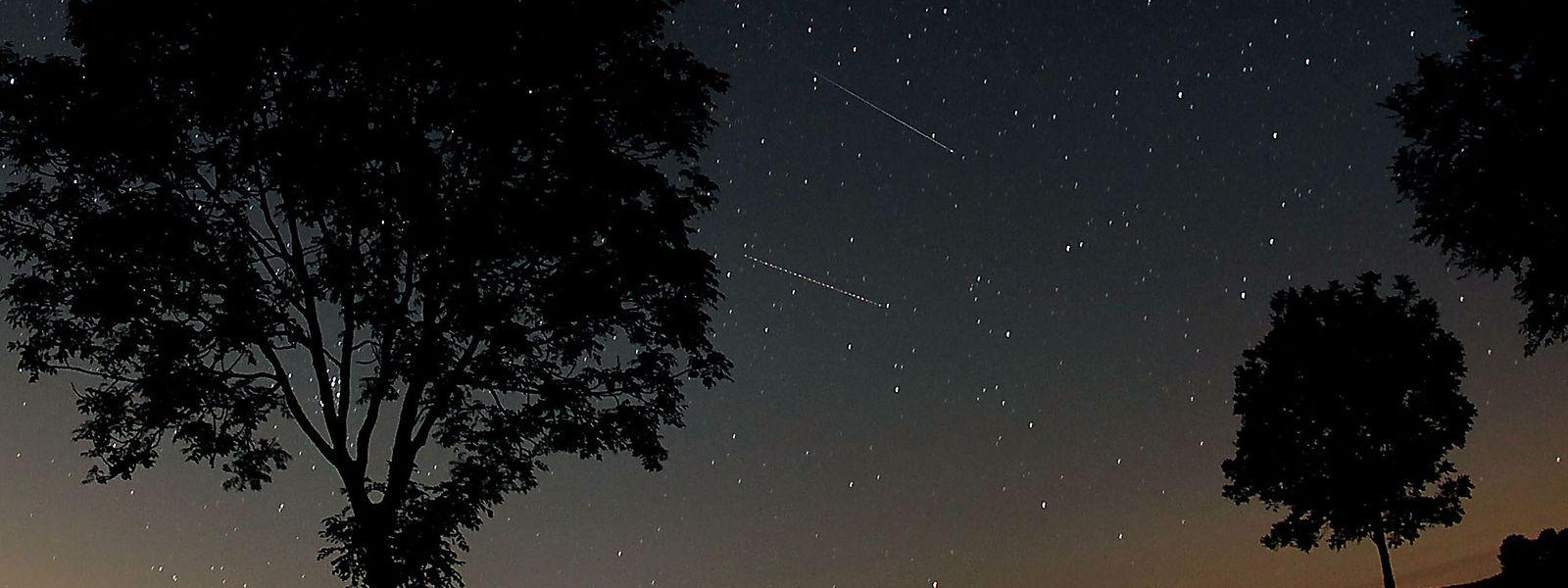 Sternschnuppen auf einer Aufnahme aus dem Jahr 2012.