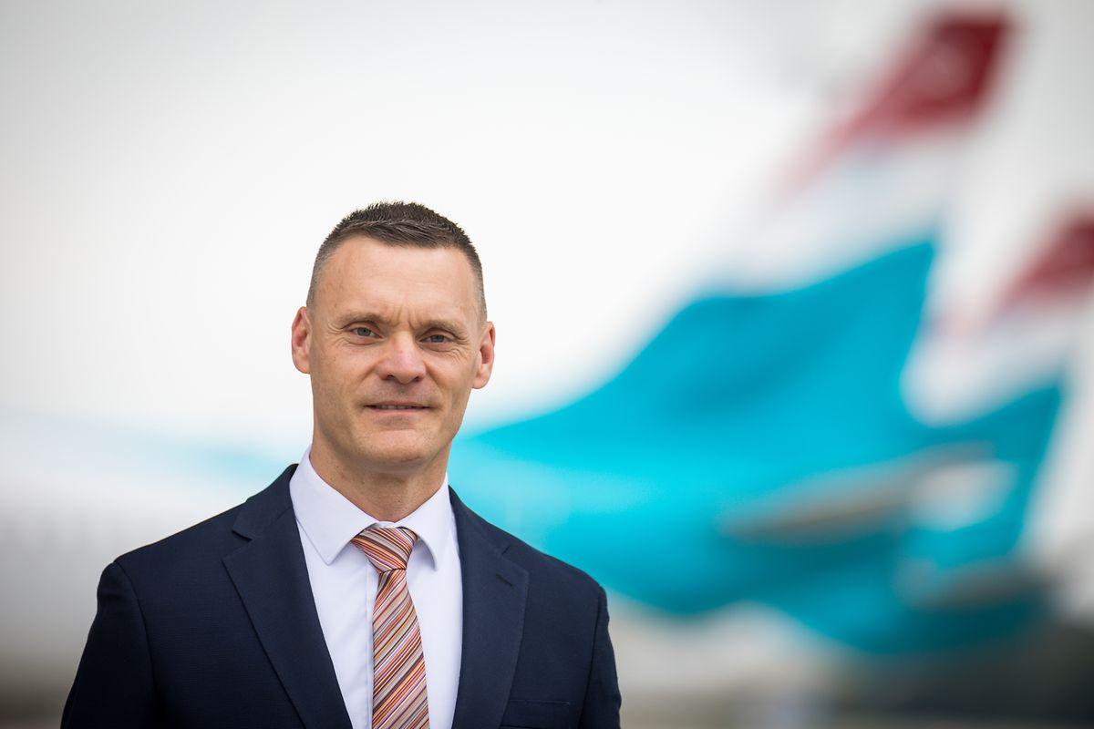 Gilles Feith, 44 ans depuis le 1er juin 2020, succède à Adrien Ney qui aura dirigé Luxair Group pendant 15 ans.