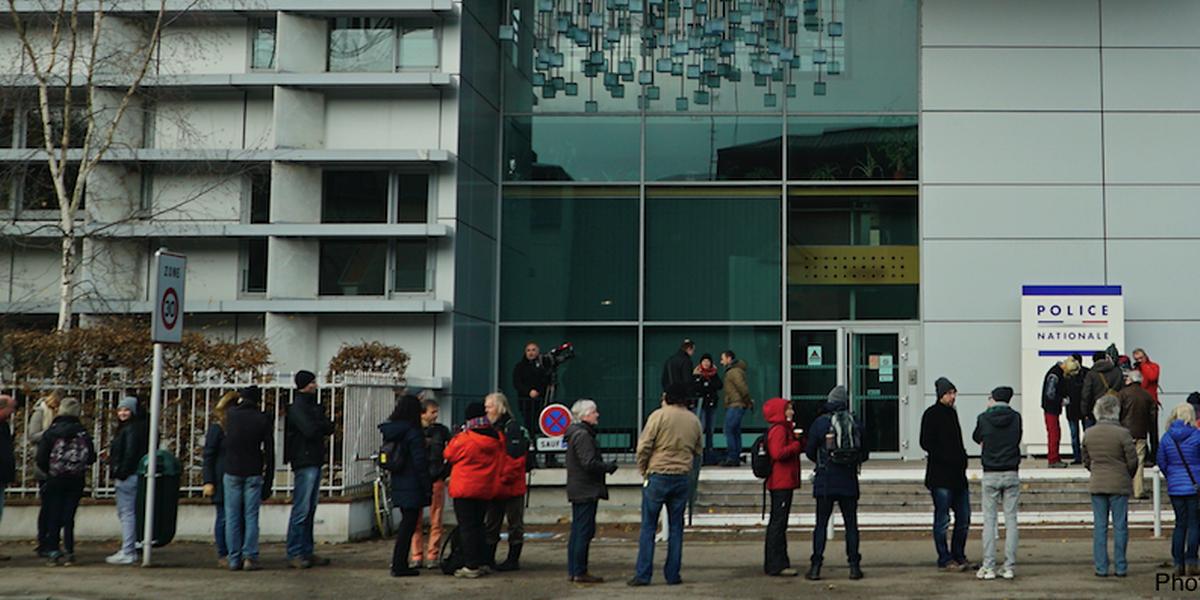 Ils ont fait la queue pendant plus de deux heures pour déposer leur plainte au bureau de police de Thionville.