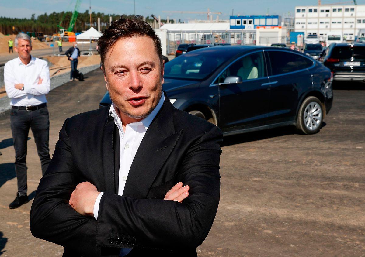 Am Samstag will sich Musk dafür bei einem Bürgerfest mit bis zu 9.000 Besuchern auf dem Firmengelände in Grünheide feiern lassen.