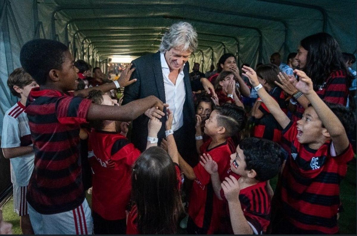 O mister tornou-se no ídolo de miúdos e graúdos no maior clube do Brasil.