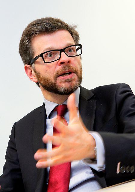 """""""Le monarque luxembourgeois bénéficie d'une règle dérogatoire au droit commun"""", analyse le juriste Luc Heuschling."""