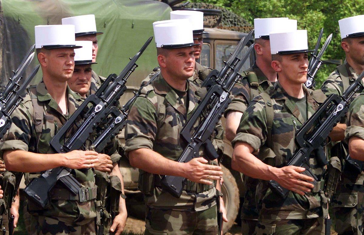 Französische Fremdenlegionäre bei einer Nato-Parade in Mazedonien.