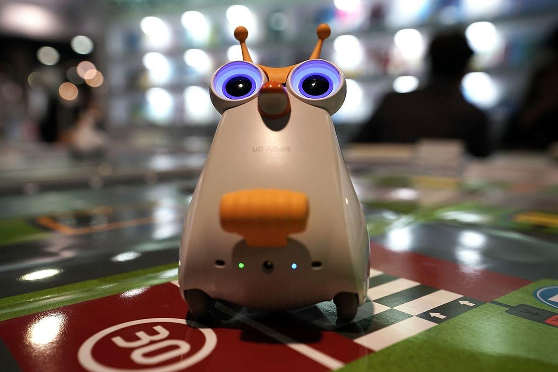 UO Albert, le petit robot qui apprend aux enfants à coder