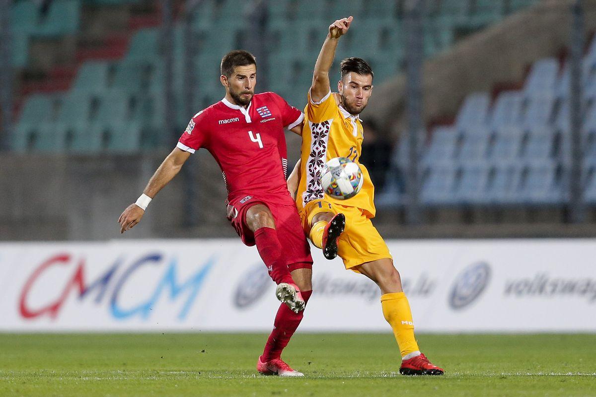 Kevin Malget (de vermelho) inaugurou o marcador para o Luxemburgo
