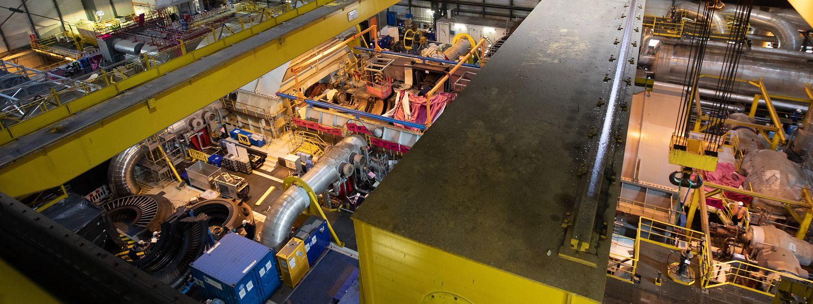 Parmi les opérations à venir, la levée de deux rotors d'alternateur et de turbine. Des pièces de 240 tonnes chacune.