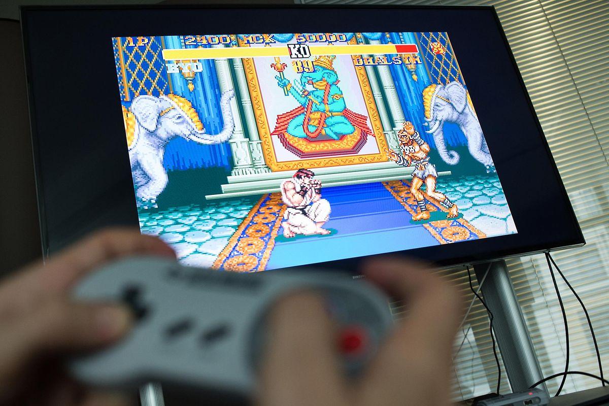 «Round 1, fight!» So krümelig wie einst «Street Fighter II» sind heutige Prügelspiele nicht mehr. Spaß macht der wiederbelebte Titel aber auch heute noch.