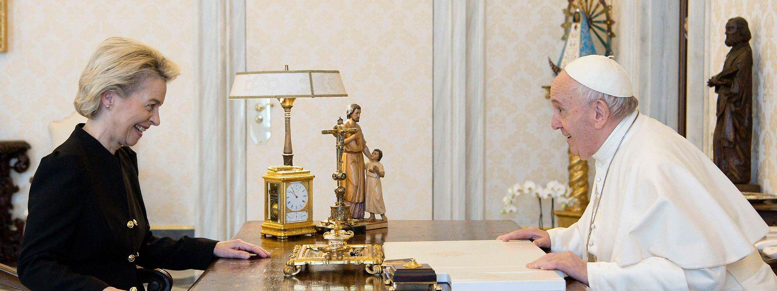 EU-Kommissionspräsidentin Ursula Von der Leyen während der persönlichen Audienz beim Pontifex.
