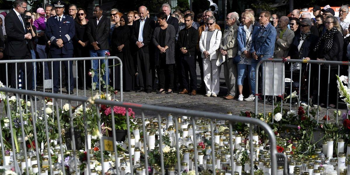Am Sonntag wurde den Opfern bei einer Schweigeminute gedacht.
