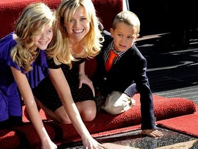 "Reese Witherspoon mit Tochter Ava und Sohn Deacon auf dem ""Hollywood Walk of Fame""."
