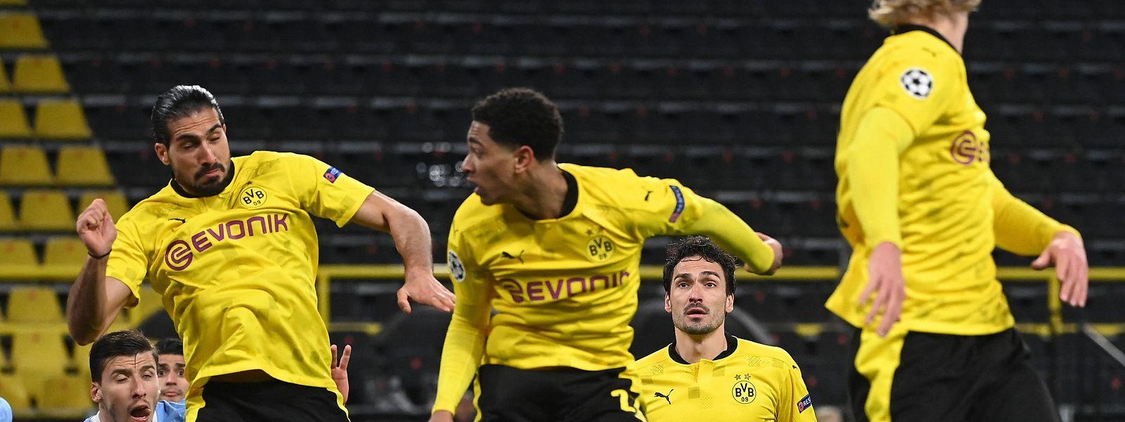 Mats Hummels (im Hintergrund) und seine Dortmunder Teamkollegen können sich nur wenig vorwerfen.