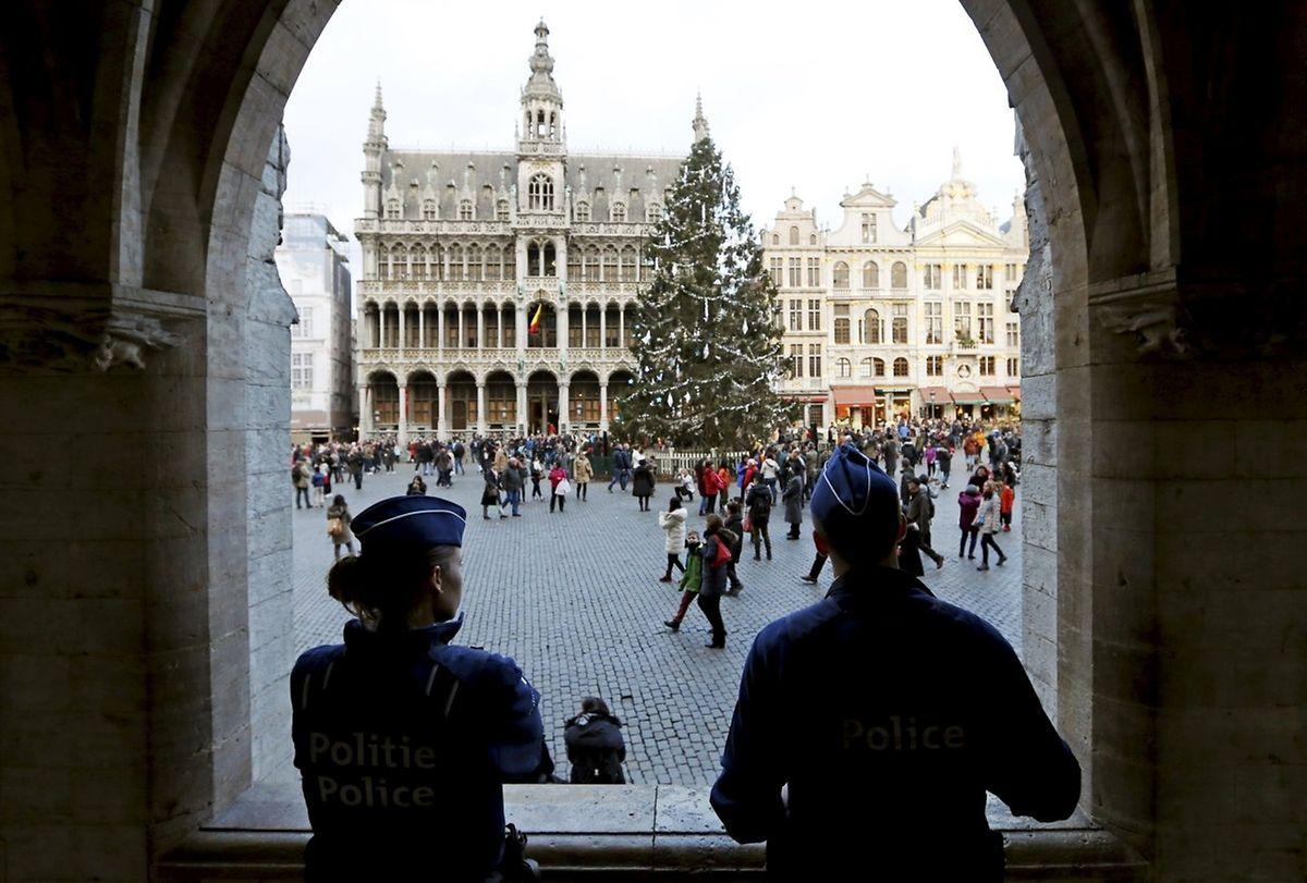 Die Grand Place wird verstärkt bewacht.