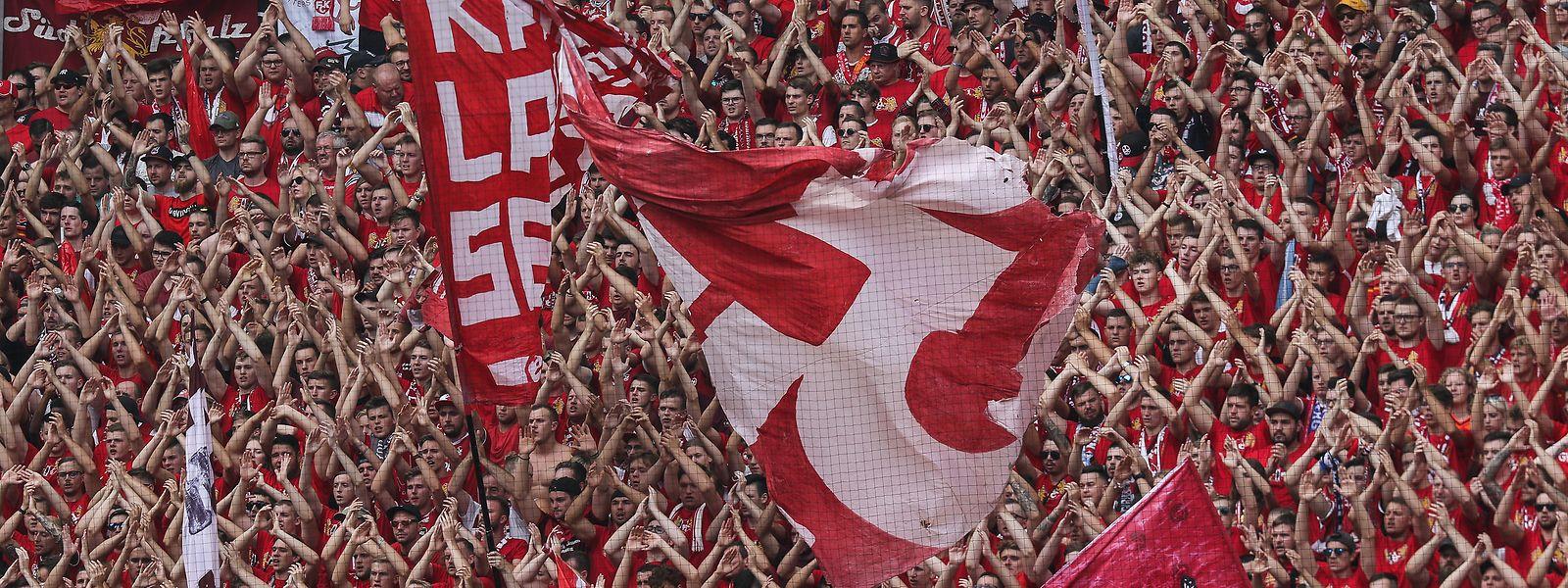 Die FCK-Fans können aufatmen: Ihr Club geht auf dem Weg zu finanziellen Rettung einen wichtigen Schritt.