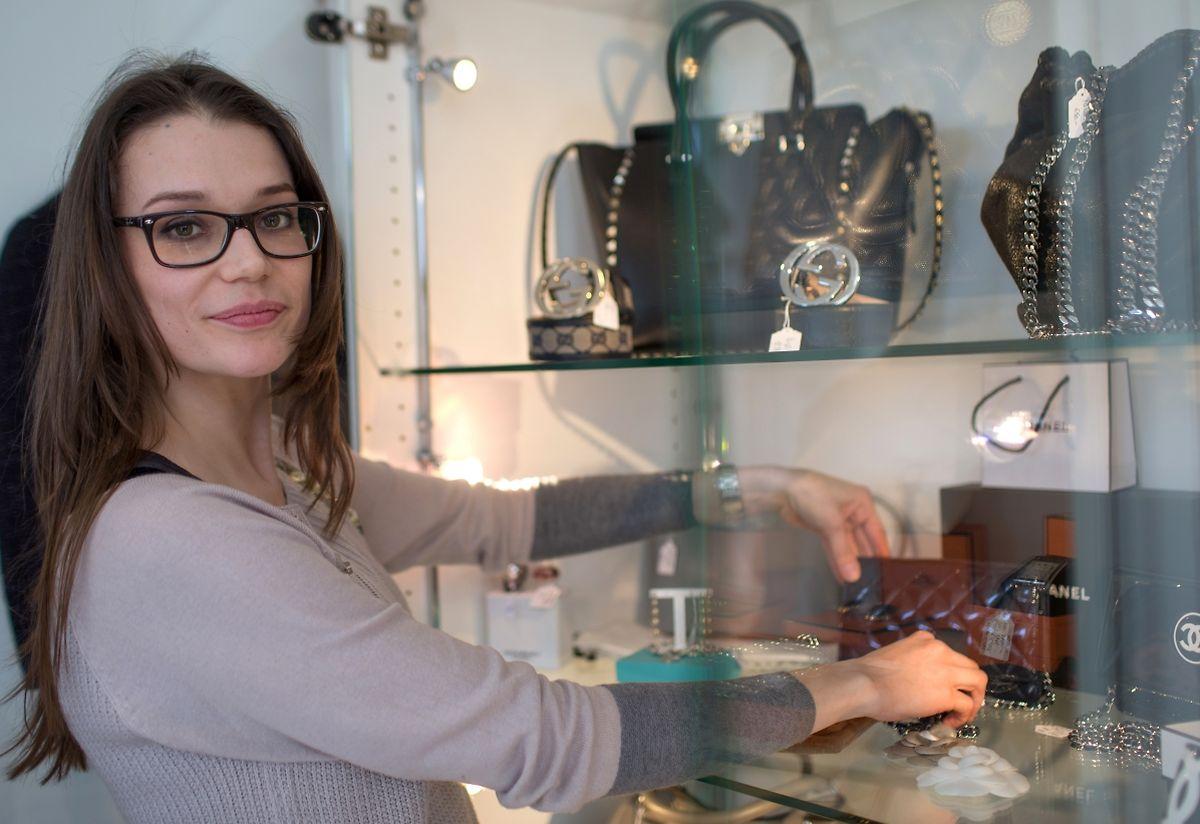 Alte Schätze neu entdeckt: Nora Winandy verkauft in ihrer Boutique First & Second Hand Concept Luxembourg unter anderem Taschen, Accessoires und Bekleidung von Designerlabels wie Gucci, Chanel und Hermès.