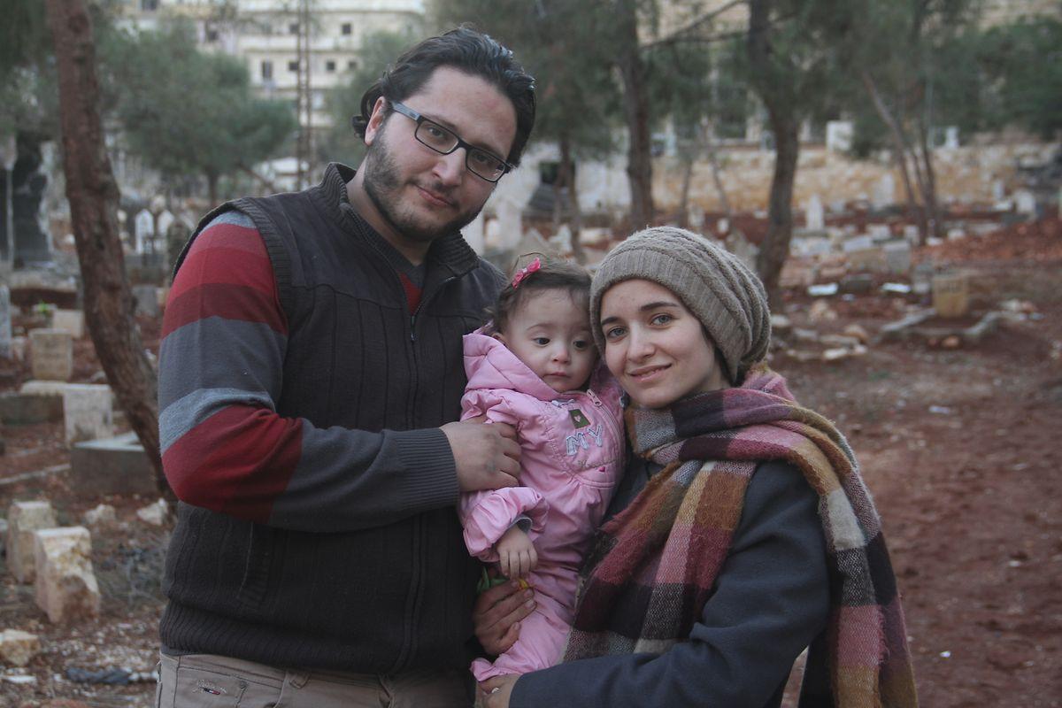 Waad al-Kateab, la réalisatrice du documentaire «Pour Sama», au nom du bébé qu'elle tient dans ses bras avec son mari Hamza, qui sera l'un des derniers chirurgiens à quitter la ville d'Alep sous les bombes.