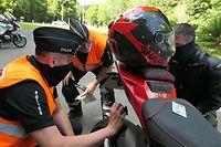 Polizei Polizeikontrolle Motorräder Biker Bike Motorrad Heiderscheidergrund N15