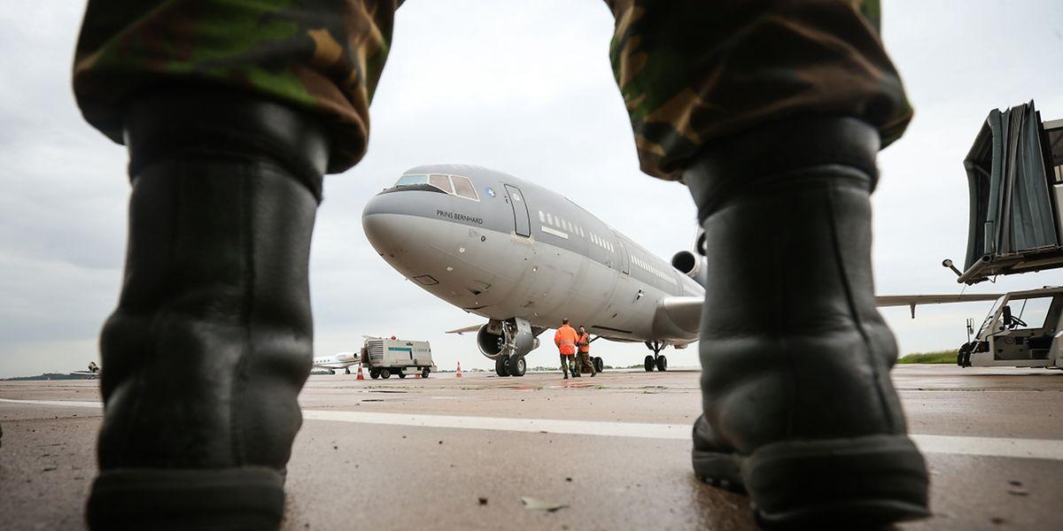 """Gäste während drei Wochen: zwei Tankflugzeuge der """"Koninklijke Luchtmacht""""."""