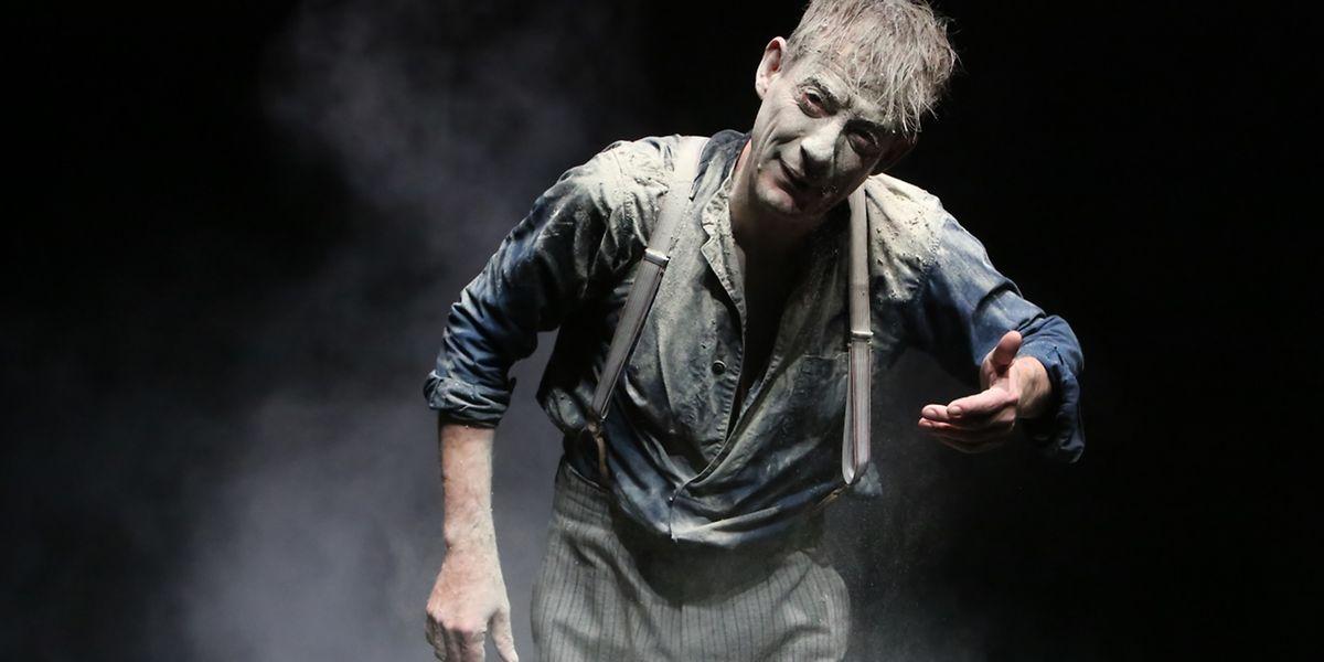 Intensiv und reduziert auf Büchners Text und den Hauptdarsteller: Luc Feit spielt Lenz.