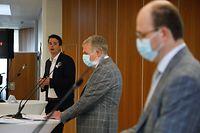 Lex Delles, Tom Oberweis und Tom Wirion  (v.l.n.r.) bei der Vorstellung der Umfrage.