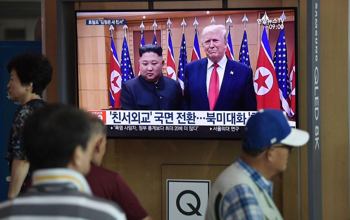 Kim Jong Un und US-Präsident Donald Trump hatten Ende Juni bei einem kurzen Treffen im Grenzort Panmunjom auf der koreanischen Halbinsel Arbeitsgespräche zur atomaren Abrüstung in der Region vereinbart.