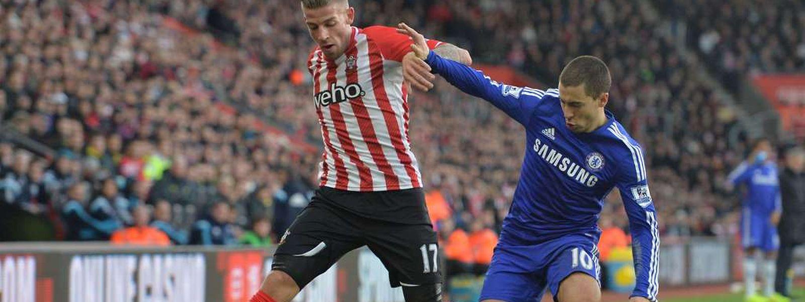 Les Diables Rouges Toby Alderweireld et Eden Hazard se sont quittés dos à dos malgré un joli but de la star des Blues