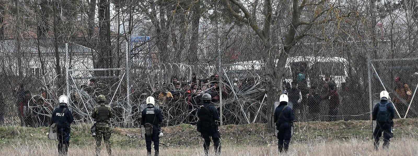 Au total, 26.576 réfugiés ont été réinstallés en Europe tandis que les renvois n'ont été que de 2.084, selon la Commission.