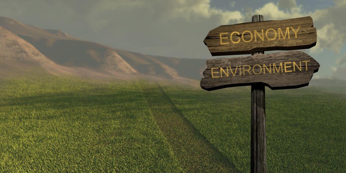 L'économie circulaire propose donc un nouveau modèle économique qui utilise et optimise les stocks et les flux de matières, d'énergie et de déchets en améliorant l'efficience des ressources naturelles.