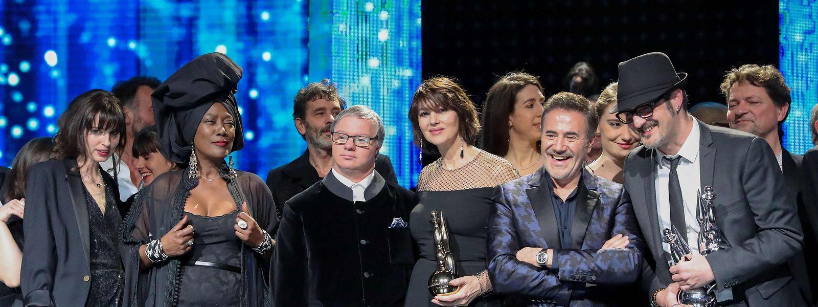 Les lauréats du Magritte du cinéma belge samedi soir à Bruxelles avec au milieu l'actrice Monica Bellucci qui s'est vu décerner le Magritte d'honneur.