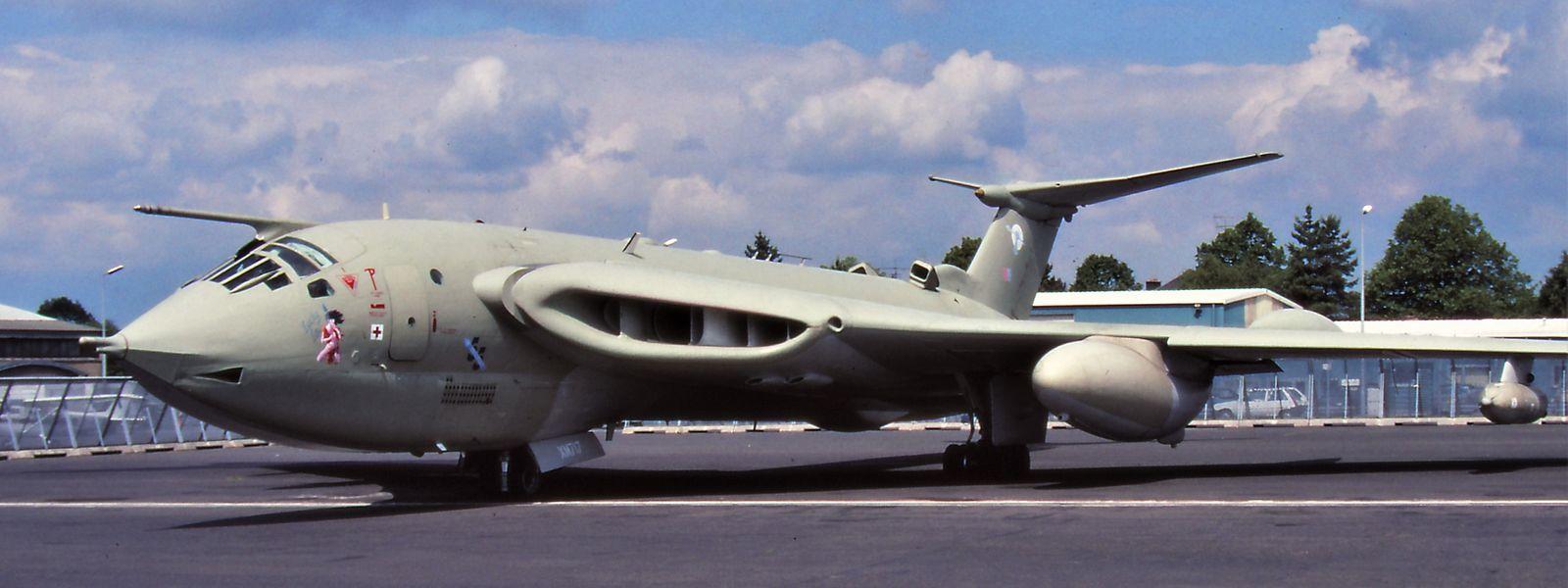 """Dieser """"Handley Page Victor B.2 Bomber"""" der Royal Air Force aus dem Jahr 1963 war während der Operation """"Desert Storm"""" 1990 im Einsatz. Bevor die Flotte verschrottet wurde, besuchte der Militärflieger auf seinem Abschiedsflug durch Europa im Juni 1991 auch Luxemburg."""