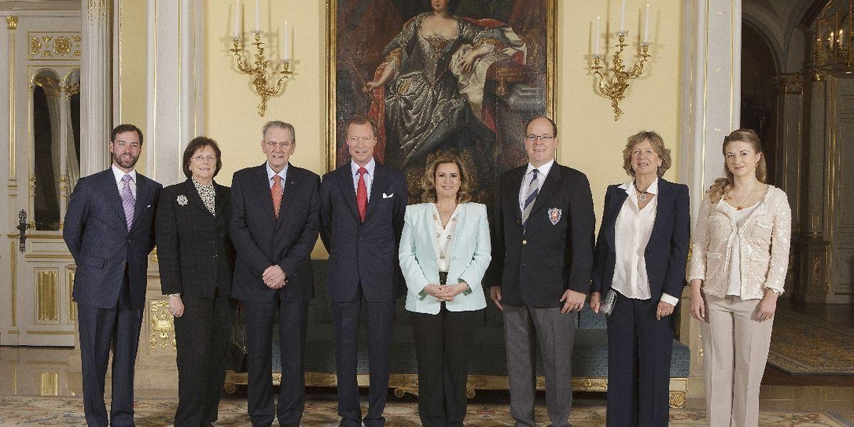 Le grand-duc héritier Guillaume, Mme et M. Jacques Rogge, président du CIO, le grand-duc Henri et la grande-duchesse Maria Teresa, le Prince Albert de Monaco, la Princesse Nora de Liechtenstein, et la grande-duchesse héritière Stéphanie.
