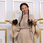"""""""Nomadland - Sobreviver na América"""" dá o Óscar de Melhor Realização a Chloé Zhao"""
