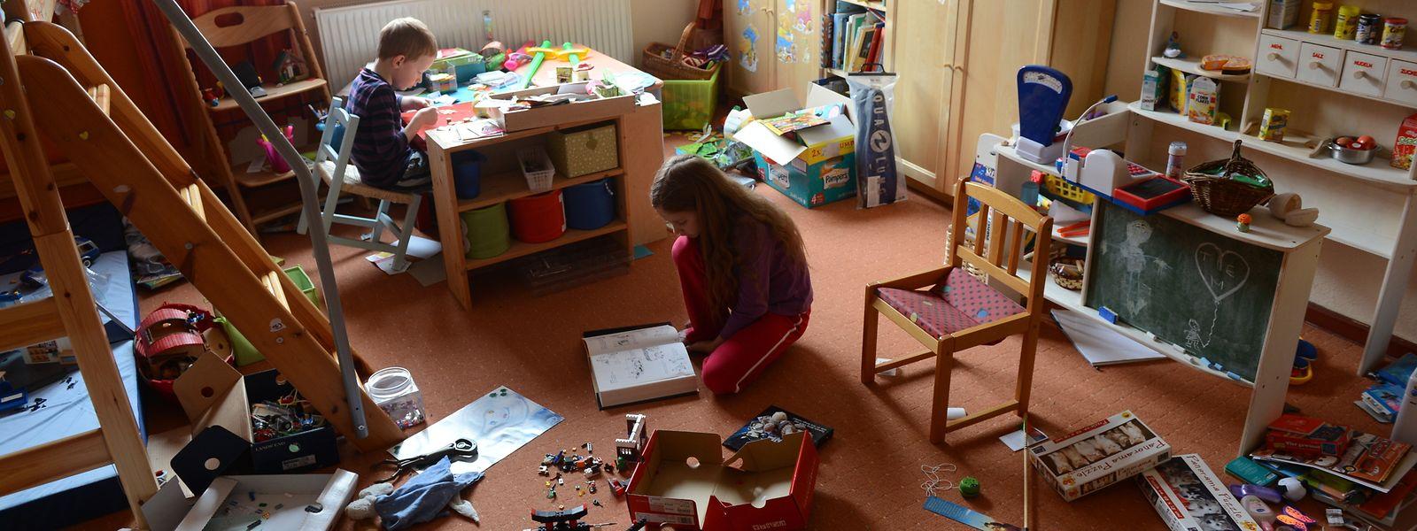 Das ganze Kinderzimmer voll, aber nichts zu spielen? So geht es vielen Kindern, wenn sie zu viel Auswahl haben.