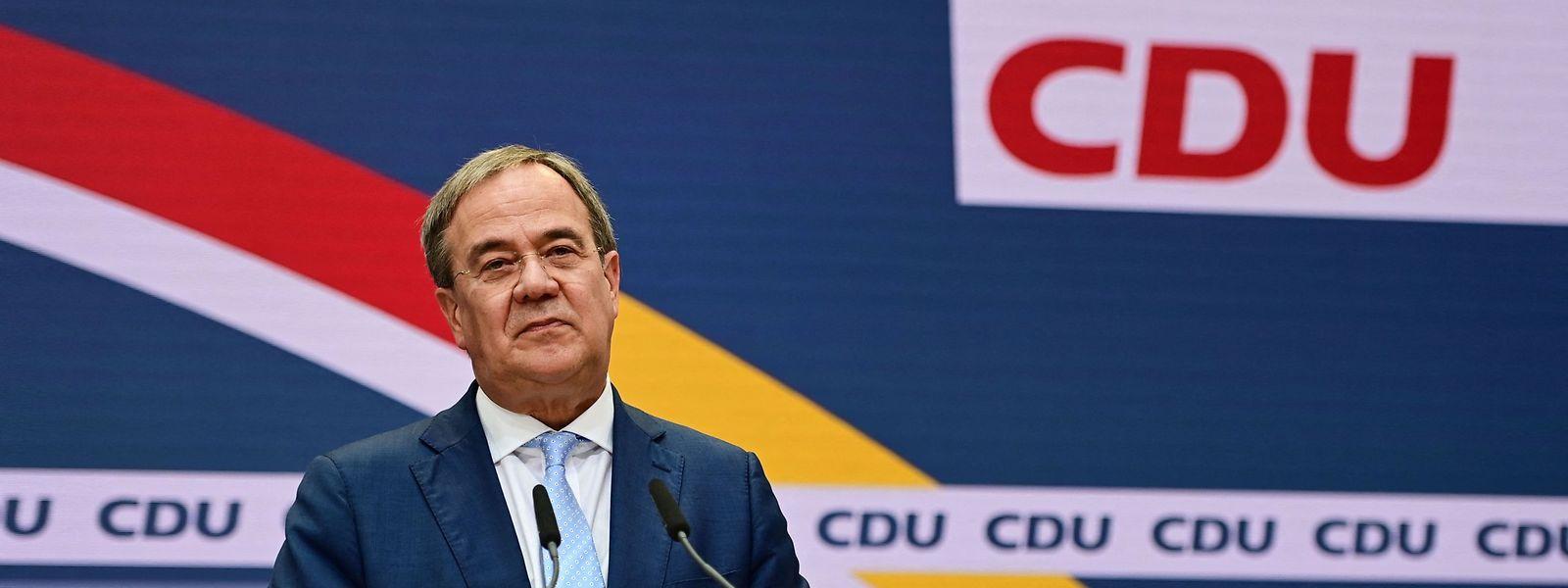 Armin Laschet ist angesichts der Wahlschlappe am Tag nach der Bundestagswahl in der Defensive.