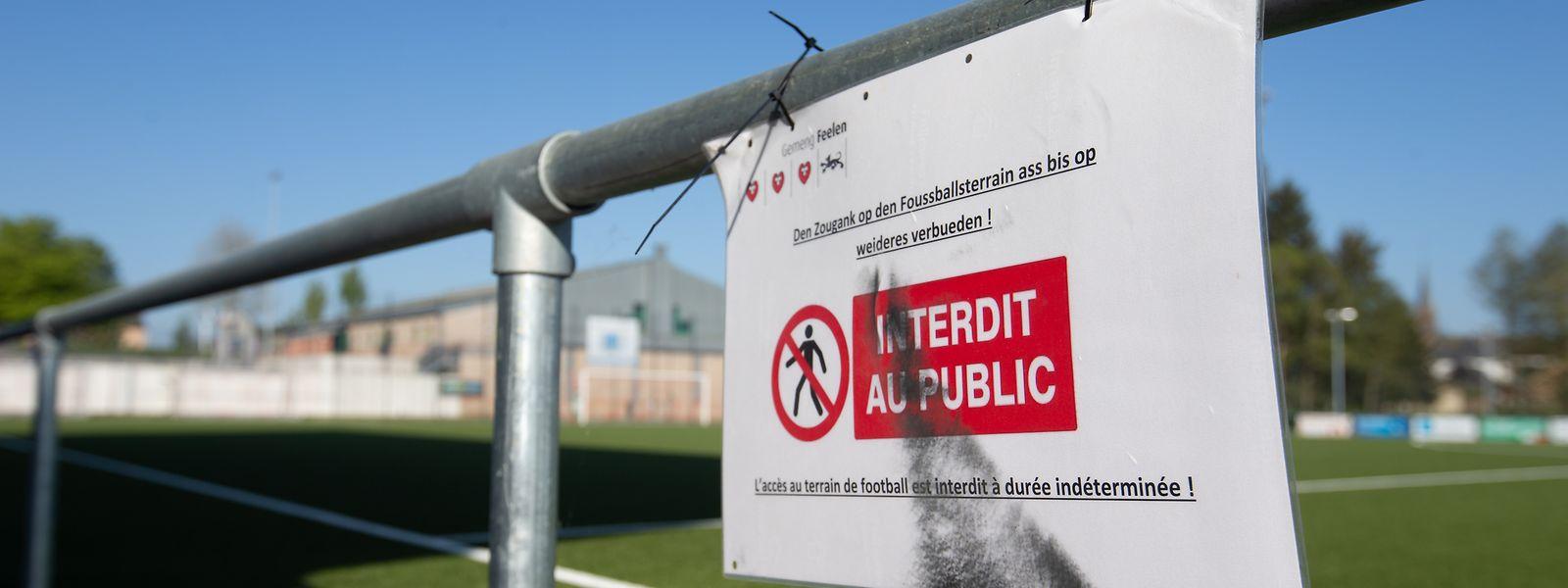 L'accès aux terrains et aux salles sera possible mais dans le respect des règles sanitaires.