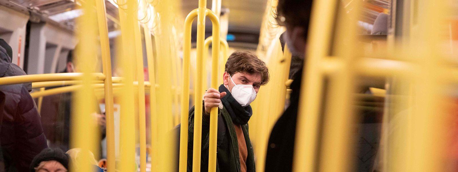 A Áustria foi dos primeiros países europeus a impor o uso de máscara do tipo FFP2 em transportes, espaços públicos e comércio.
