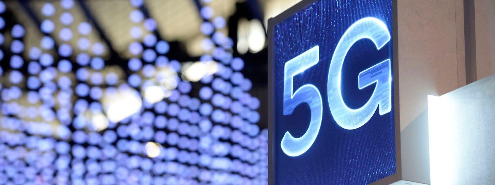 La 5G permettra d'envoyer une information d'un appareil à un autre en quelques millisecondes.Et a déjà rapporté 41,3 millions d'euros à l'Etat, pour la seule vente des fréquences.