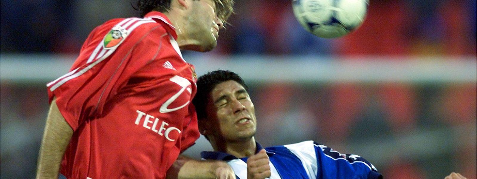 Jogador brasileiro alinhou em três clubes portugueses: FC Porto, Sporting e Beira-Mar.