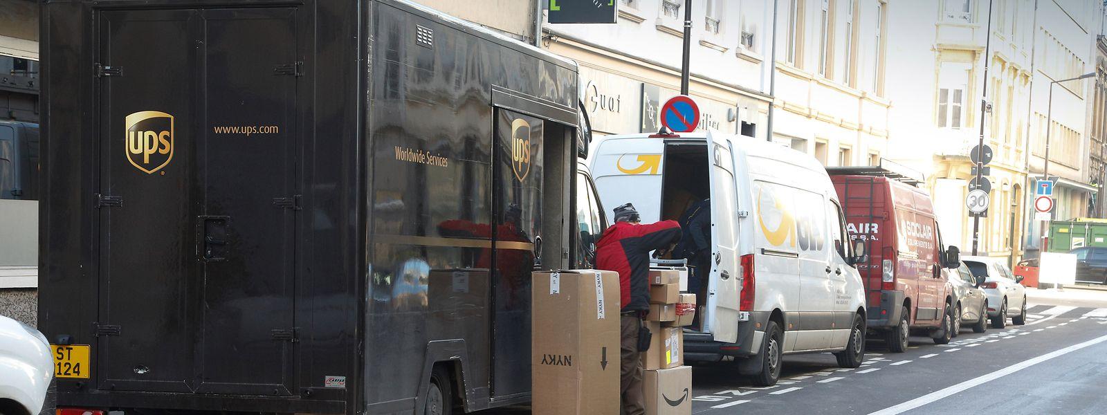 Obwohl die braunen Lieferwagen von UPS auch in Luxemburg präsent sind, beschäftigt UPS selbst keinen einzigen Fahrer im Land.